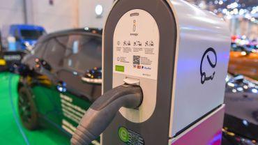 Voitures électriques: Bruxelles comptera 100 bornes publiques de recharge de plus d'ici l'été