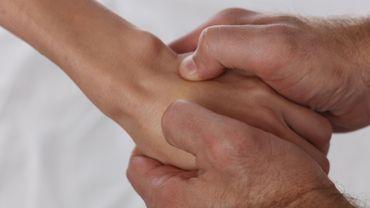 L'acupression permet de réduire l'anxiété et les douleurs qui subsistent après un cancer du sein.