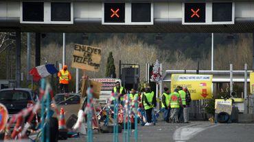 """Action de """"gilets jaunes"""" à un péage près de Marseille, le 9 décembre 2018"""