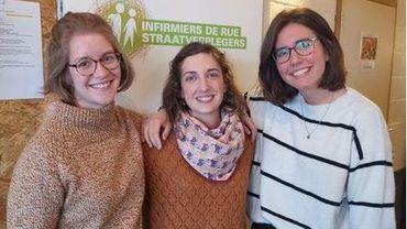Liège: des infirmières de rue pour soigner les sans-abri (Fanny à gauche et Camille à droite)