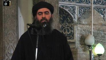 Capture d'écran d'une vidéo de propagande d'al-Furqan Media montrant le chef du groupe État islamique (EI), Abou Bakr al-Baghdadi, le 5 jullet 2014.