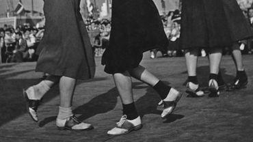 Deux couples de danseuses de jitterbug à New York, en 1939