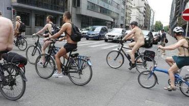 Deux cents cyclistes nus à Bruxelles pour la 12e édition de Cyclonudista