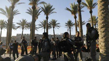 Des policiers israéliens en faction devant la Porte de Damas, dans la Vieille ville de Jérusalem, le 16 juillet 2017