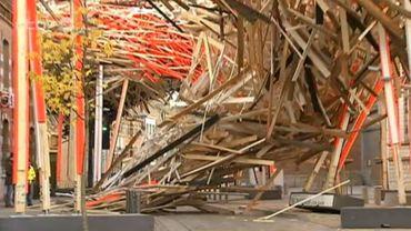 Mons 2015: la structure d'Arne Quinze s'est effondrée