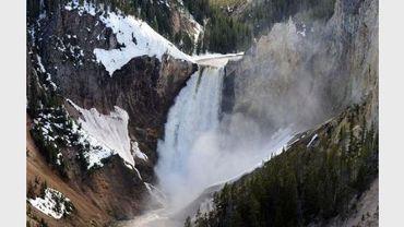Vue datée du 2 juin 2011 des Lower Falls dans le parc de Yellowstone