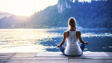 Yoga et méditation combinés pourraient réduire les troubles cognitifs