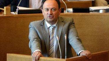 """""""Un Olivier usé et fatigué"""" selon le chef de groupe de l'opposition MR au Parlement wallon"""