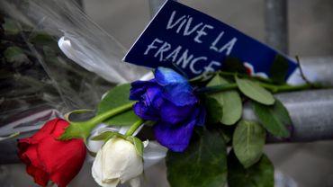 Soutien aux victimes de Nice depuis l'ambassade de France à Rome, ce vendredi 15 juillet.