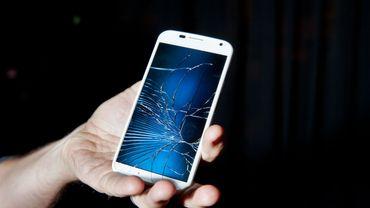 Motorola brevette un écran qui peut s'autoréparer