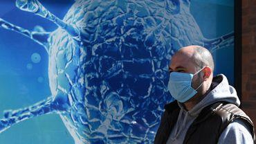 """Coronavirus : la situation s'aggrave en Europe mais l'OMS voit des """"signes encourageants"""""""