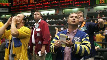 """La Fed devrait ramener les taux américains """"à ZERO, ou en dessous"""", selon Trump"""