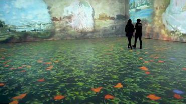 Mariant l'art et la technologie, cette exposition retrace la trajectoire du peintre Claude Monet au travers de ses nombreux voyages.