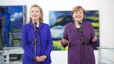 Hillary Clinton (G) et Angela Merkel (D) en avril 2011