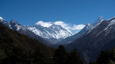 Mont Everest, mythique toit du monde, exempt d'alpinistes pour cause de COVID-19