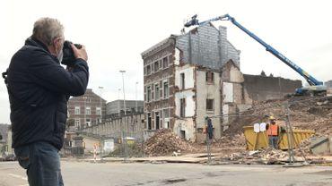 Verviers: Claude photographie les démolitions chaussée de Heusy