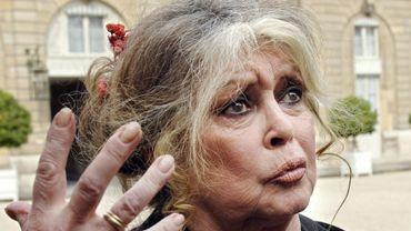Après Gérard Depardieu, c'est au tour de l'actrice du Mépris, de menacer de demander la nationalité russe.