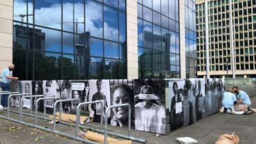 Bruxelles: 850 personnes ont manifesté devant la Tour des Finances pour plus de justice fiscale