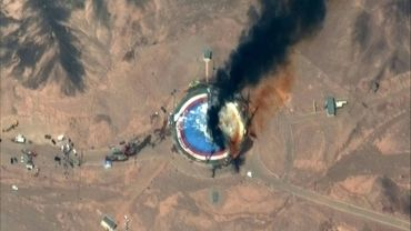 Image satellite prise le 29 août par ©2019 Maxar Technologies de l'apparente explosion d'une fusée sur le pas de tir au centre spatial Imam Khomeini à Semnan (ouest de Téhéran)