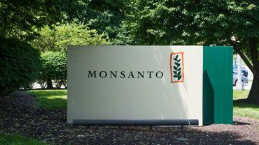 """Le groupe américain Monsanto aurait secrètement fiché """"des centaines de personnalités"""" en France en fonction de leur position sur le glyphosate"""