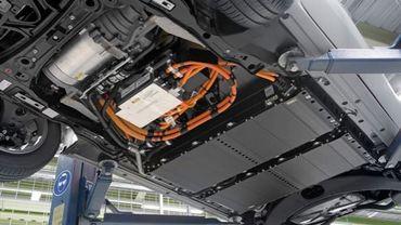 Même si ces batteries ne répondent parfois plus aux standards automobiles - très stricts en termes de capacité -, elles peuvent souvent encore stocker de l'énergie.