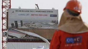 Un travailleur employé par QDVC (Qatari Diar/VINCI Construction Grands Projets), sur un projet de métro à Doha, le 24 mars 2015