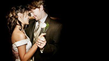 Ces mariages nocturnes, le vendredi soir de 19h à 23h, avec des agents volontaires, seront à nouveau expérimentés les 22 septembre et 15 décembre.