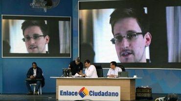 Le président équatorien Rafael Correa évoque le cas de Snowden à Manabi, à l'ouest de la capitale Quito, le 29 juin 2013