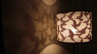Les abat-jours de Torely Design jouent avec l'ombre et la lumière.
