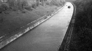 Le Canal Albert, à hauteur de Vroenhoven.