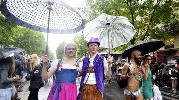 Quelques milliers de manifestants à la Gay Pride de Paris