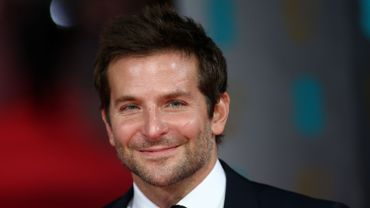 """L'avenir de Bradley Cooper passera d'abord par Clint Eastwood, pour le drame militaire """"American Sniper"""""""