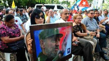 Fidel Castro réapparaît dans la presse après quatre mois d'absence