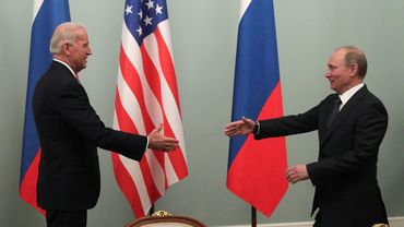 Une rencontre entre Joe Biden et Vladimir Poutine, à Moscou, en mars 2011.