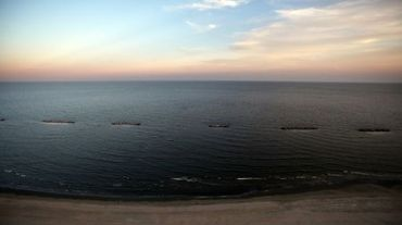 Vue d'une plage de Louisiane souillée en 2010 par une marée noire, imputée à BP, dans le Golfe du Mexique, le 13 avril 2011