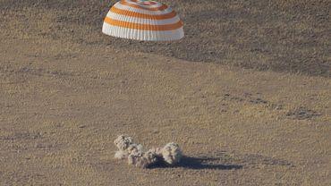 Retour sur Terre réussi du premier Emirati dans l'espace (2)