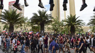 Chili : des centaines de milliers de personnes manifestent à Santiago