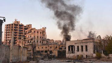 La rébellion s'effondre à, Alep, l'armée de Bachar Al Assad avec l'afflux de l'aviation russe est en train de reconquérir la 2ème ville du pays. Les habitants d'Alep subissent des bombardements incessants, la situation est pour eux, très critique.