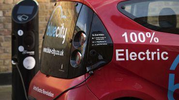Bornes de chargement pour véhicules électriques: la Wallonie va lancer un appel à projet par an