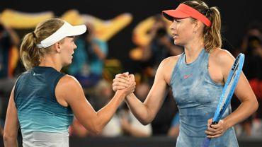 Sharapova stoppe la tenante du titre Wozniacki au 3e tour de l'Australian Open