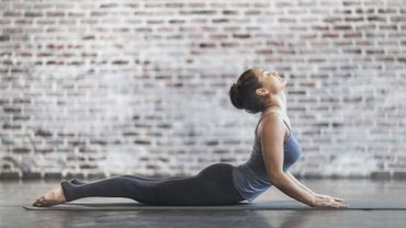 Le yoga Bikram, pour transpirer quand les températures extérieures commencent à chuter. ©da-kuk/Istock.com