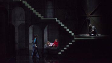 Le silence des ombres, d'après Maeterlinck, de Benjamin Attahir, mise en scène d'Olivier Lexa