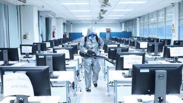 Coronavirus: un tiers de l'humanité désormais sommée de rester chez elle
