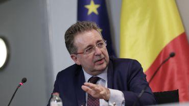 Le gouvernement bruxellois débloque une prime de 985 euros au personnel des institutions de soins