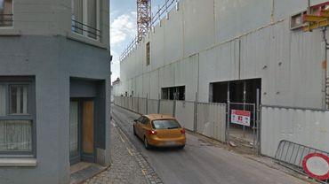 Un corps a été retrouvé dans la rue de la petite boucherie à Mons