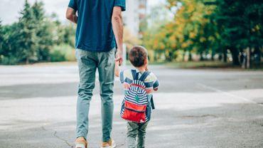 84% des parents français se disent prêts à laisser leur voiture au garage pour emmener leurs enfants à l'école.