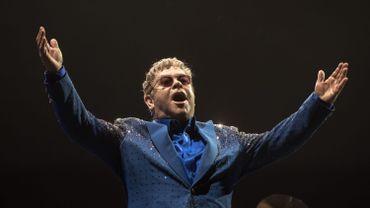 """Elton John rejoindrait Taron Egerton, Julianne Moore et Halle Berry dans la suite de """"Kingsman"""""""
