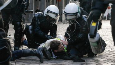 Coups, intimidation, harcèlement: 21 policiers impliqués dans531 faits majoritairement liés à la violence