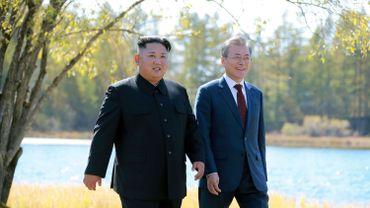 Rencontre historique entre le dictateur nord-coréen Kim Jong Un et le leader sud-coréen Moon Jae-in le 20 septembre dernier à Samjiyon en Corée du Nord.