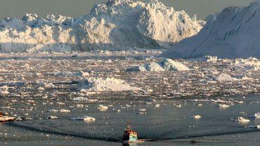 Le Groenland est une gigantesque île arctique, grande comme quatre fois la France, où les effets du réchauffement climatique sont manifestes.